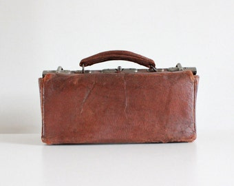Vintage 1920s Leather Doctors Bag