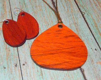 Padauk Necklace