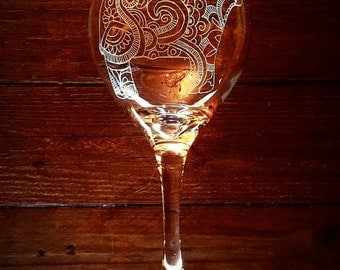 Cow Wine Glass // Paisley Print Wine Glass // Cattle Farming // Birthday Gift // Pretty Cow // Gift Under 50 // Engraved Glass