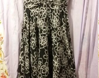 Madalaine - Beautiful Black and White Halter Maxi Dress (Sz 8)