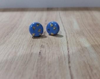 Blue stud earrings with gold accents - polymer clay