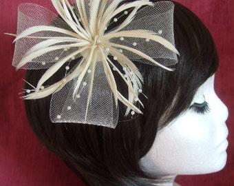 Cream Fascinator. Cream looped net & feather flower fascinator on a forked clip / brooch pin. Wedding Fascinator, Cream Headdress, Corsage