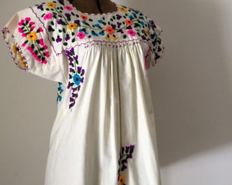 Vintage Oaxacan Mini Dress Embroidered Cotton Floral Mexican Tent Dress XS Small