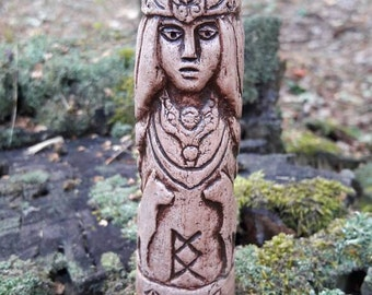 Small Handcrafted Statue of Freya
