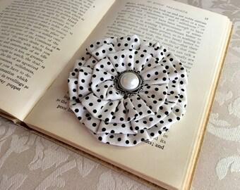 Black & Ivory Hair Clip.Black Ivory Brooch.Flower Pin.Polka Dot headpiece.off white.Ivory Black hair accessory.Black ivory polka dot flower