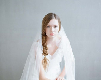 Bridal veil - Floating lace circle veil - Style 710 - Made to Order