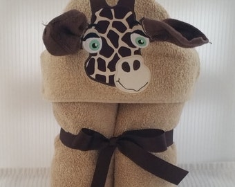 Personalized Towel Hoodie Giraffe, Kid's Towel with hood for boy or girl, Baby shower gift, Birthday party present, Child's gift from nanny
