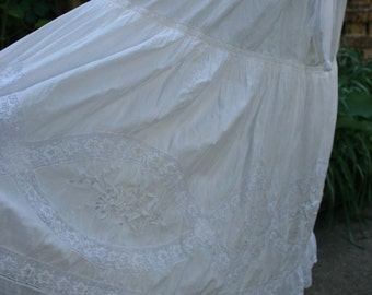 White cotton and lace petticoat skirt medium large