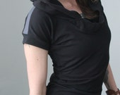 hooded tunic top with short sleeves/Black with Cement grey shoulder detail