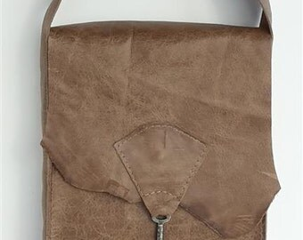 Small raw edge leather bag with vintage key detail - taupe