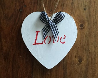 1x White wooden rustic heart door hanging hanger, black gingham, decoration, sign, gift, baby gift, wedding love gift, wood plaque, handmade