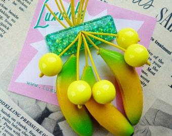 Go Bananas! Handmade 40s 50s Aqua Green confetti lucite style novelty Carmen Miranda fruit salad brooch by Luxulite
