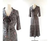 1940s Dress / Histoire de France / Novelty Print Dress / Silk Dress / 40s Dress / XS