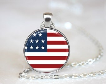 USA American Flag Patriotic Changeable Magnetic Pendant Necklace with Organza Bag