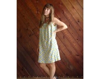 Psychedellic Floral Print Mini Shift Dress - Vintage 60s 70s - S/M