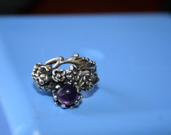 Vintage Sterling Silver HEAVY  Frog flowers amethyst stone Ring Twig Diorama  Stunning in size 5