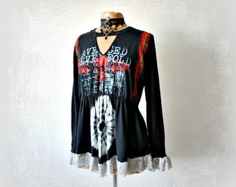 Black Goth Sweater Alter Clothes Wearable Art Shirt Ruffle Lace Cuff Red Plaid Tunic Gothic Clothing Skull Shirt Recycle T-shirt L 'CARLY'