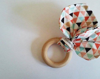 Organic Wooden Teething Ring, Organic Wood Bunny Teether, Organic Wooden Crinkle Toy, Organic Bunny Crinkle Teether - Multicolored Triangles