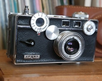 Antique Argus C3 35mm Film Camera with Leather Field Case