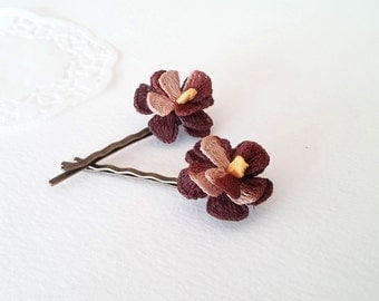 Boho Chic Bobby Pins, Crochet Flower Bobby Pins, Flower Hair Clips, Floral Hair Accessory, Violet Hair clips, Bohemian Wedding Hair, Brown
