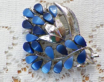 Vintage Silver Tone and Two Tone Blue Thermoset Floral / Flower Brooch / Pin / Broach