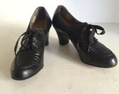 Vintage Art Deco Heeled Lace Up Oxfords In Black Leather - Size 6 1/2 Narrow