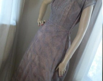 Gorgeous 1940s Taupe Lace Gown Size S Unusual One of a Kind Lovely Gorgeous