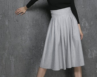 Light grey wool skirt (1340)
