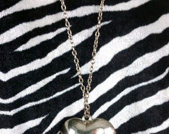 Awesome Retro 90s Silver Heart Necklace with Long Chain!