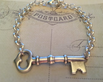 Antique Silver Key Bracelet, Skeleton Key, Vintage Key Bracelet, Key Jewelry, Charm Bracelet, Gift for Her
