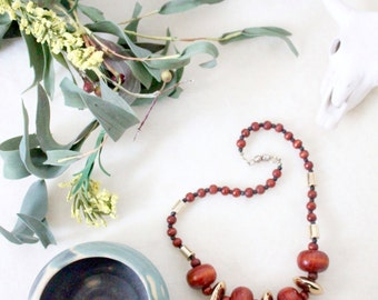 wooden necklace / vintage