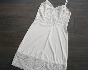 Vintage VANITY FAIR Off White Lingerie SLIP Dress 36 (m)