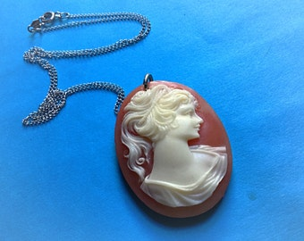 Vintage Cameo - Sterling Silver Anson chain - EPSTEAM - Cameo Silhouette - Vintage wedding gift - Romance - Elegant - Vintage Bride - Gift