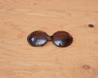 Vintage 60's Jacki O' Sunglasses Brown Lense Tortoise Shell Detail Extra Large Dramatic Look