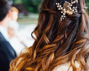 Gold Flower Hair Pin, Fall Wedding,  Bridesmaid Leaf Hairpin, Bridal Leaf Hair Comb Accessory, Gold Wedding Hair comb {Golden Leaf Hairpin}
