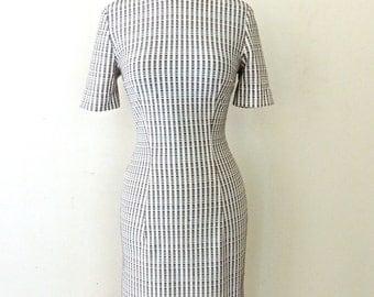 vintage 60s mod dress - white/brown printed knit mini dress
