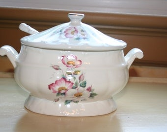 House of Webster Wild Briar Rose Gravy Sauce Boat