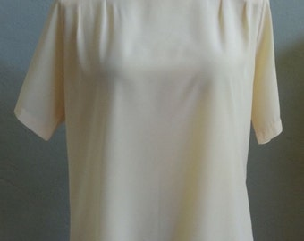 """Vintage Christie & Jill Buttery Yellow Short Sleeved Blouse with Front Shoulder Tucks Bust 42"""" Waist 40 and 1/2"""""""
