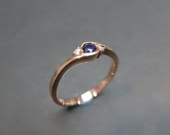 Classic Blue Sapphire Engagement Ring in 14K Rose Gold
