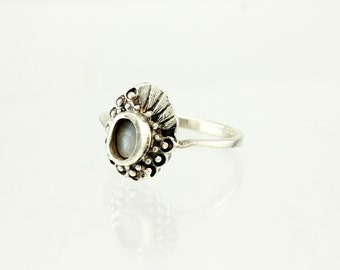 Vintage Sterling Silver Ring - Flower Size 9
