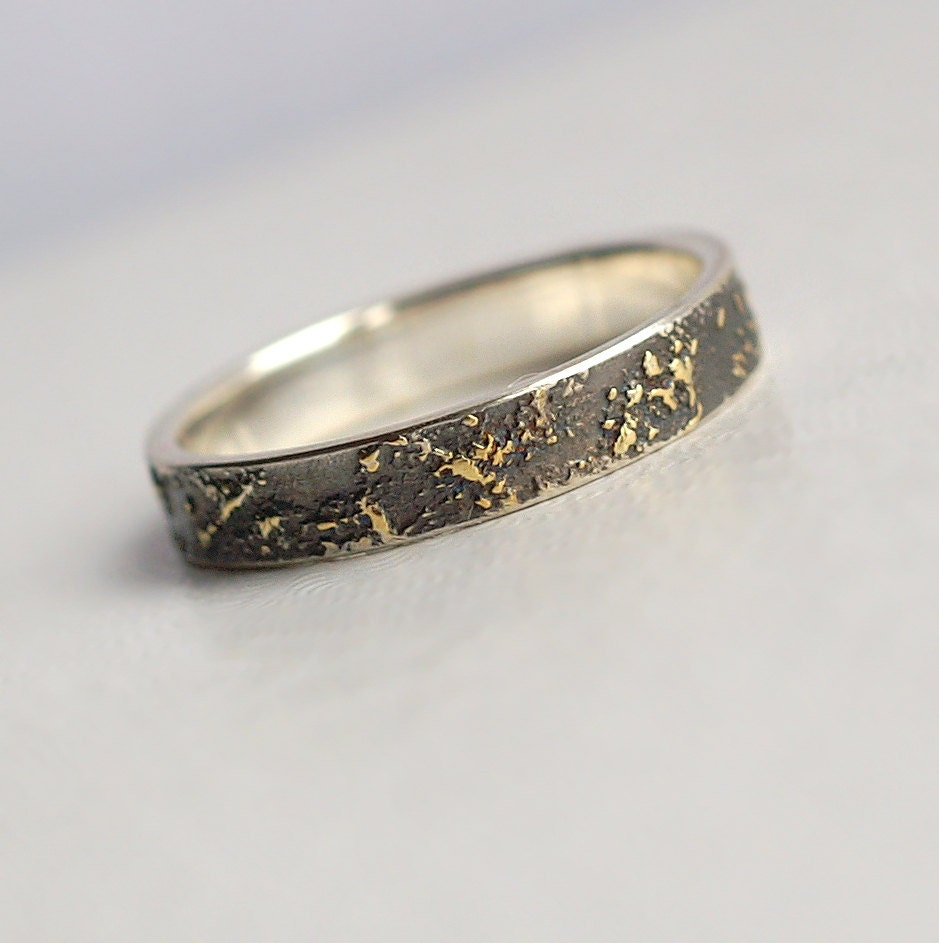Gold Chaos 4mm Wide Unique Wedding Band For Her Or Him 18k