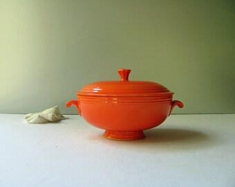 Vintge Fiesta Red Covered Casserole Dish Lid Fiestaware Orange Homer Laughlin Serving Dinnerware Fiesta Ware Bowl Mid Century HLC Pottery