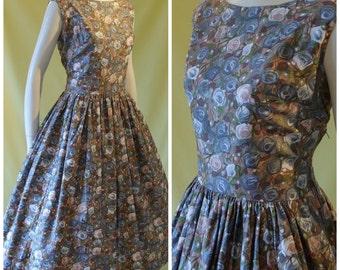 1950s Vintage Style Sun Dress / 50s Retro Day Dress / Floral Print Cotton / Full Skirt / M Medium L Large