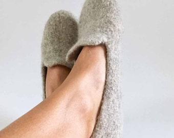 """Loafers / Wool Felted Slippers - """"Boyfriend"""" Slippers for Women / Houseshoes / Oatmeal / Choose Any Color / Simple / No Frills - mom gift"""
