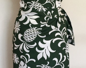 Vintage 1950s inspired Hawaiian sarong halter dress dark green white hibiscus flowers S M L VLV rockabilly Viva