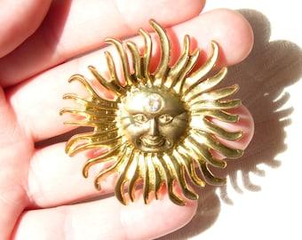 Vintage Sun Burst Gold Tone Rhinestone Brooch - Vintage Brooch - Spring Vintage Finds - Vintage Jewelry -  Rhinestone Brooch - Gift Ideas