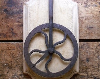 Antique Travelers Rolling Wheel Measuring Tool - Great Guy Gift