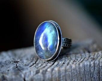 Labradorite ring/ large statement ring/ labradorite cocktail ring/ sterling silver ring/ gift