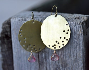 Abstract brass earrings with wirewrapped mystic pink quartz, brass jewelry, wirewrapped earrings, pink and gold earrings