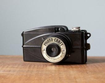 Vintage 1940s Altheimer and Baer Inc Photo-Craft Bakelite Bullet Style Camera, Model A